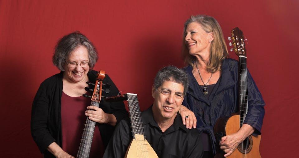 Outside show! Trio Sefardi