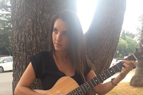 Sidewalk Sessions with Elise Carver