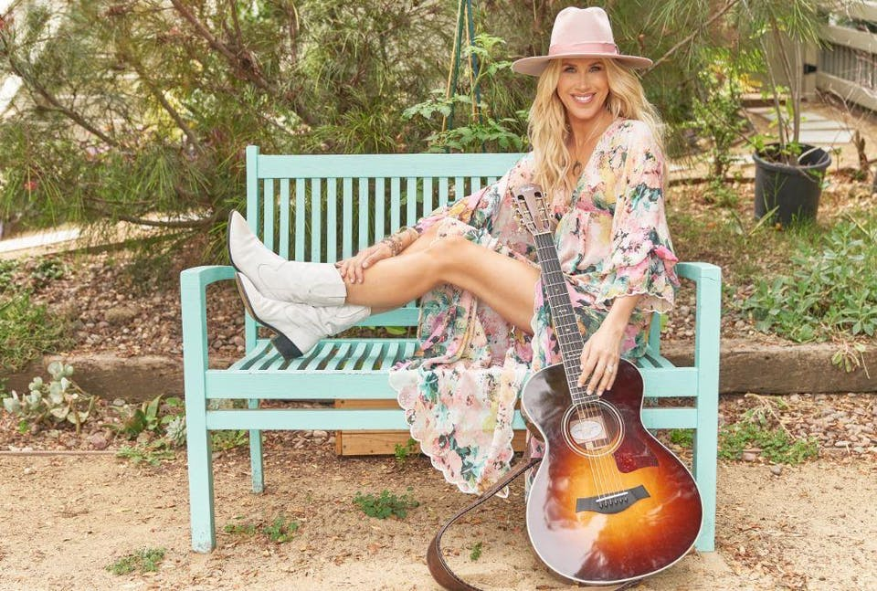 Sidewalk Sessions with Kimberly Dawn