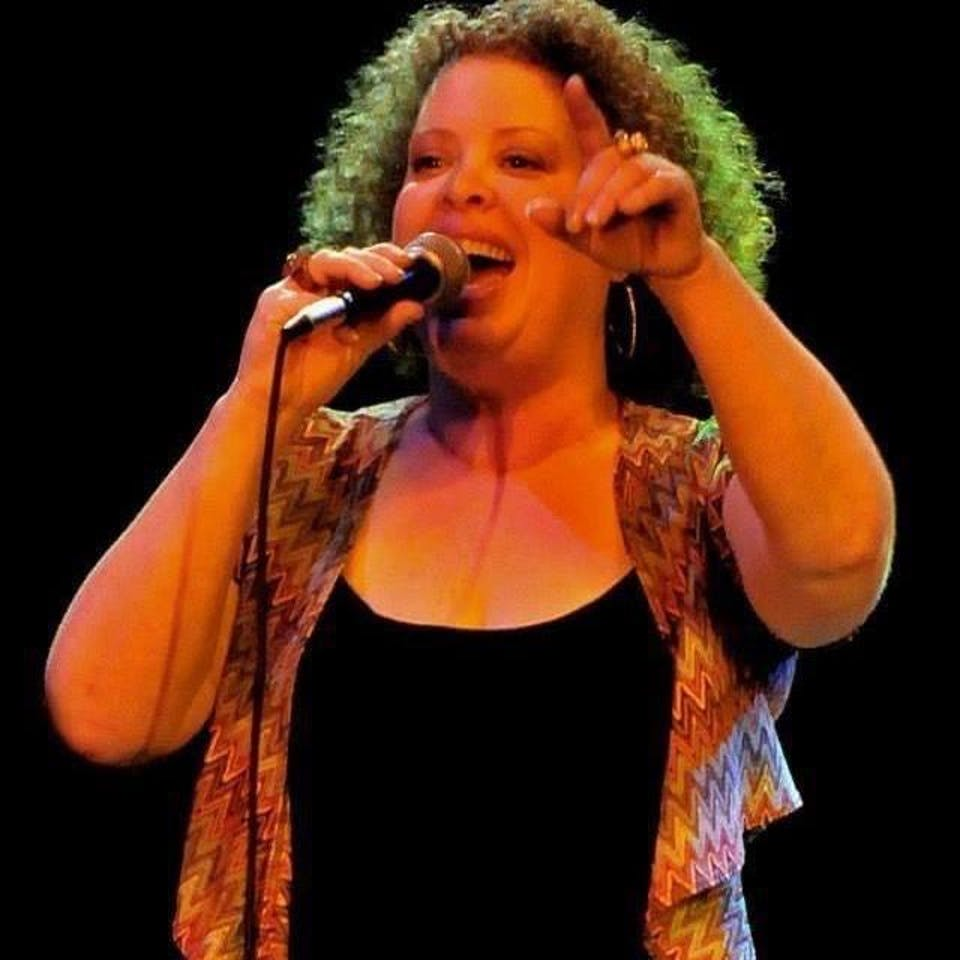 One-on-One Vocal Lessons ONLINE w/Zoe Ellis