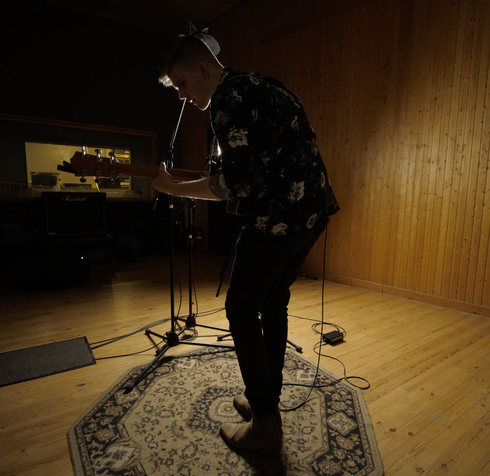 A Song & A Slice (Indoors + Distanced!): Alex Riabov