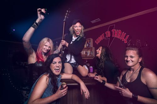 Shoot 2 Thrill - A Female Tribute to AC/DC
