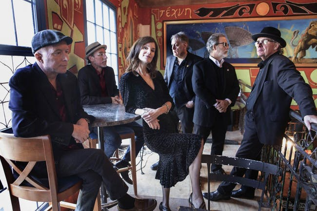 10,000 Maniacs featuring Mary Ramsey