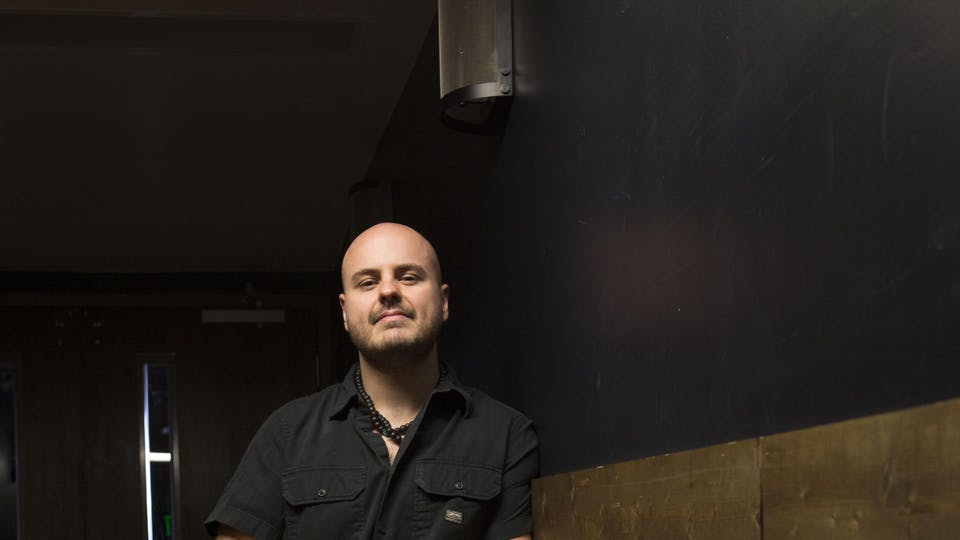 Andy McKee  with special guest Dave Bakey