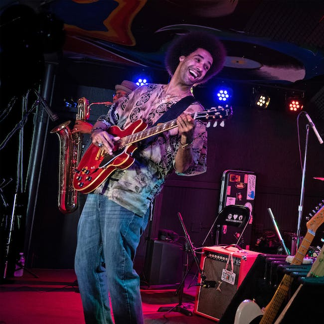 WXPN Welcomes Selwyn Birchwood with special guest Eryn