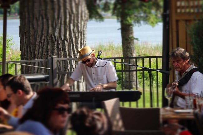 Jazz On The Patio with Andrew Walesch and Billy Peterson
