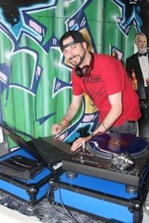 DJ Alvie Nelson (((