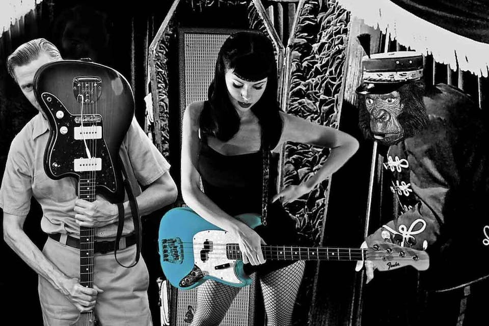 Messer Chups • The D-Rays