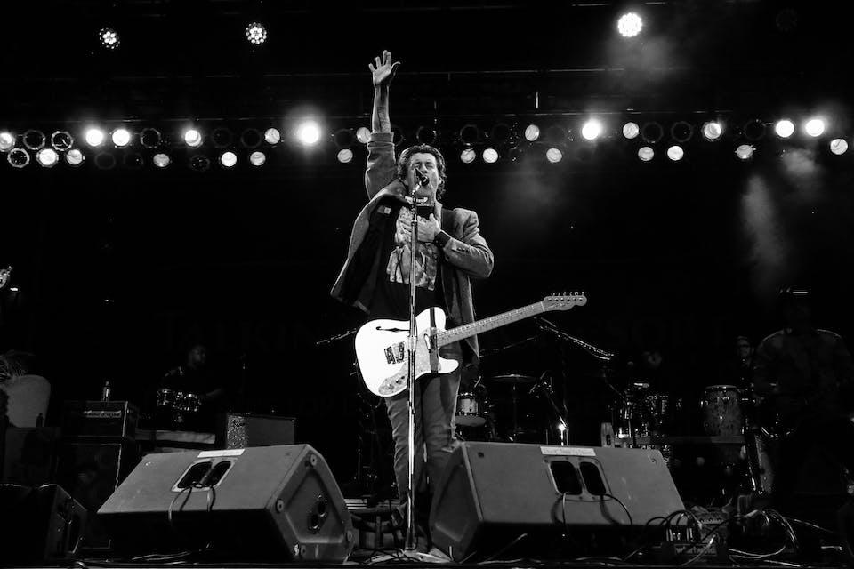 Roger Clyne Acoustic / Dalton Domino