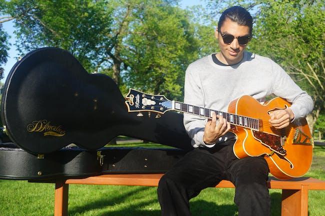 Julian Manzara (solo + loops)