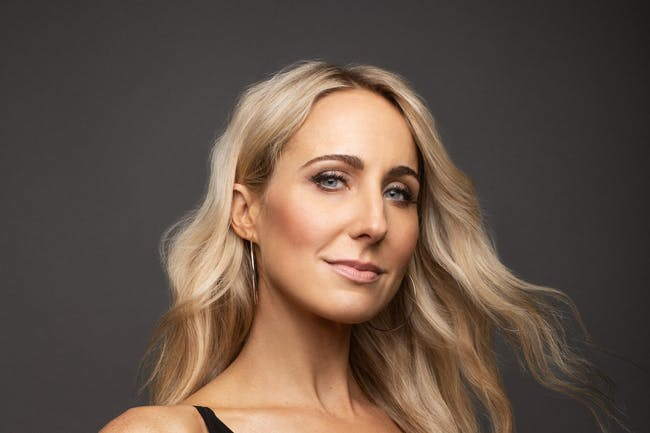 Nikki Glaser: Bang It Out