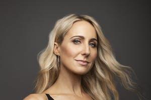 Nikki Glaser - Bang It Out