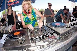 DJ KATE SCRATCH FEVER