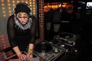 DJ SOPHIA GUNN