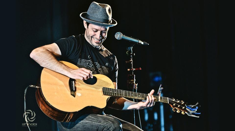 Trace Bundy's Acoustic Holiday
