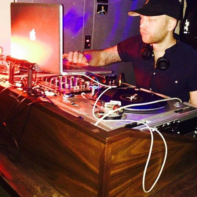 DJ PARTY with Genius James