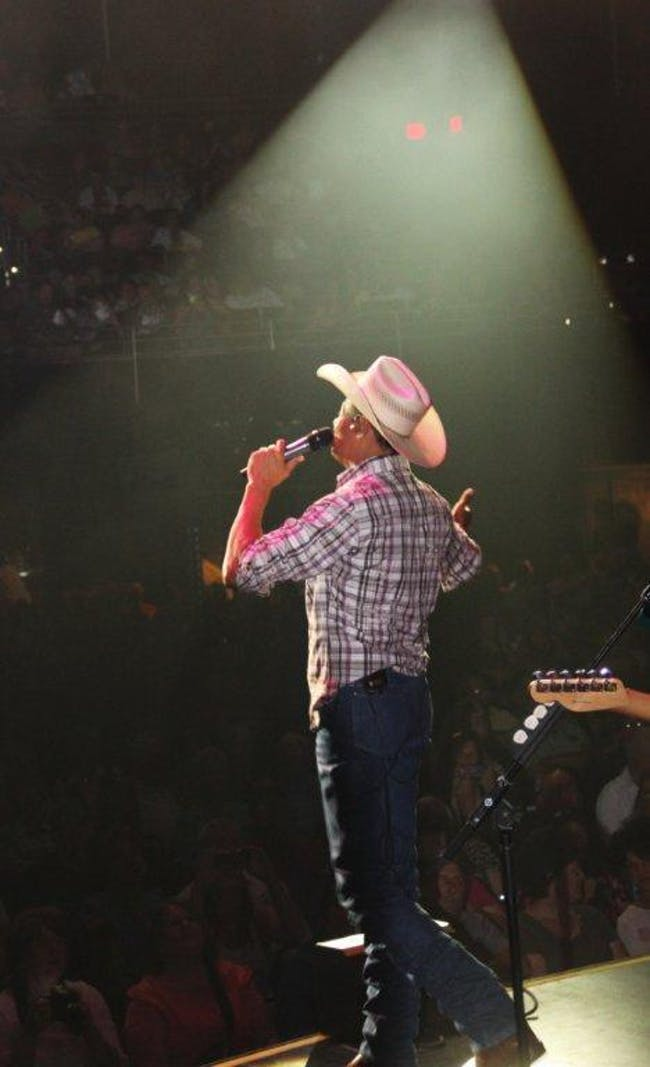 NEAL McCOY with guest Shalo Lee Band