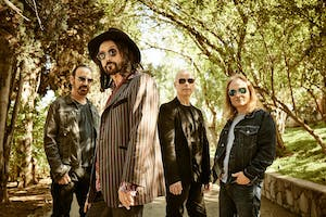 The Dirty Knobs w/ Mike Campbell