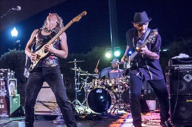 LAURIE MORVAN BAND Rockin' Blues Guitar