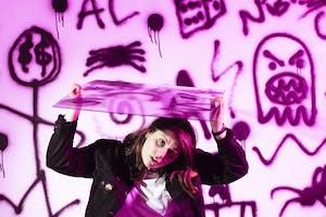 Alex Lahey w/ Liv Slingerland