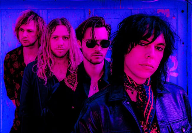 FM 101.9 Presents - The Struts